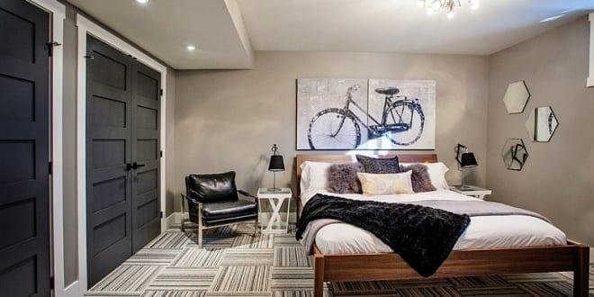 kleine schlafzimmer inspiration mit wandfarbe beige und zimmerstüren ...