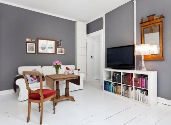 Kleines Wohnzimmer Inspiratione Mit Wandfarbe Grau Und Holzboden ... Wohnzimmer Grau Weise Wande