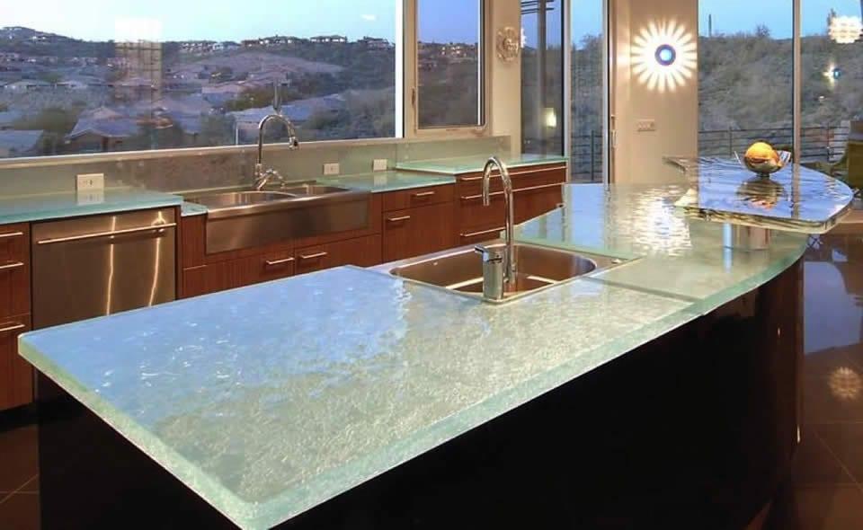 moderne küche mit gerundetem kochinsel und bar von think glass