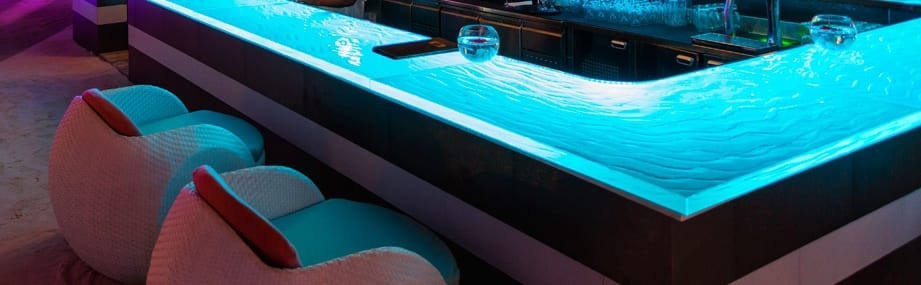 raumgestaltung bars mit bartheke aus glas