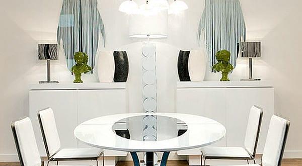Luxus Esszimmer Mit Esstisch Rund Und Sideboard Weiß Symmetrisch Dekorieren