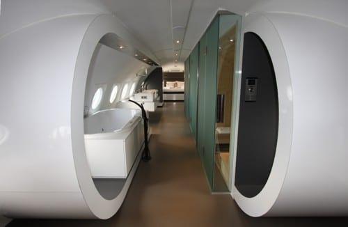 luxus suite im flugzeug mit sauna und dusche