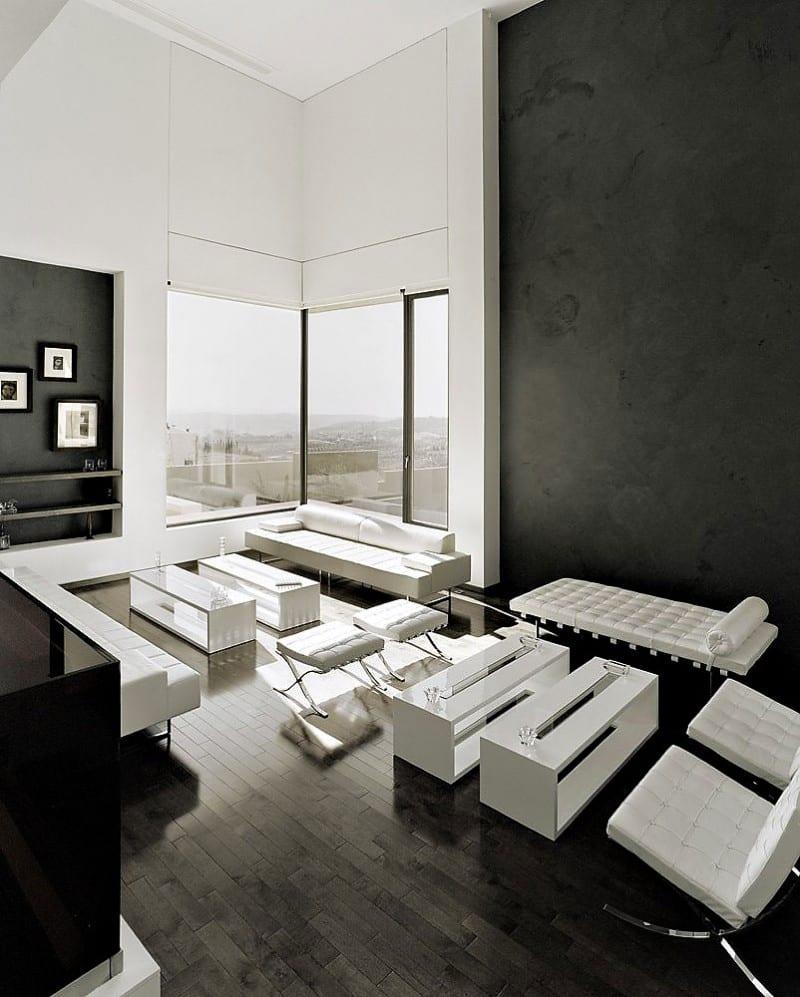modernes wohnzimmer mit schwarzen wänden und weißer möblierung- moderne seats and sofas weiß-eckfenster