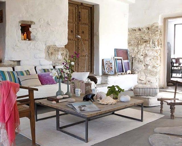 wohnzimmer beispiele mit wohnzimmer steinwänden und rustikalen holzmöbeln