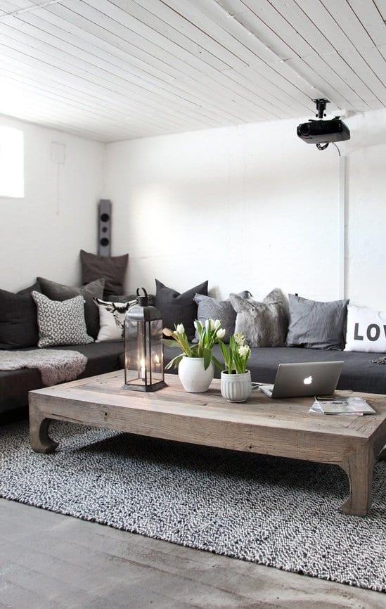 schlichte einrichtungsideen wohnzimmer rustikal mit weißer holdecke und wohnzimmer teppich grau