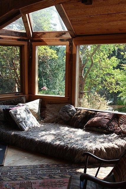 coole wohnzimmer inspirationen mit holz und sitzecke wohnzimmer mit Pelzdecke