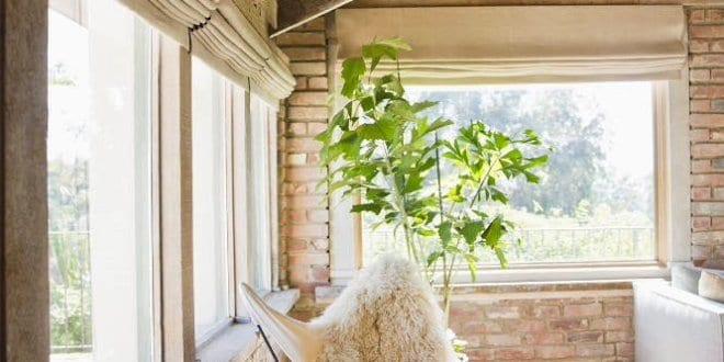 mein wohnzimmer mit ziegeln und dachschr ge holz freshouse. Black Bedroom Furniture Sets. Home Design Ideas