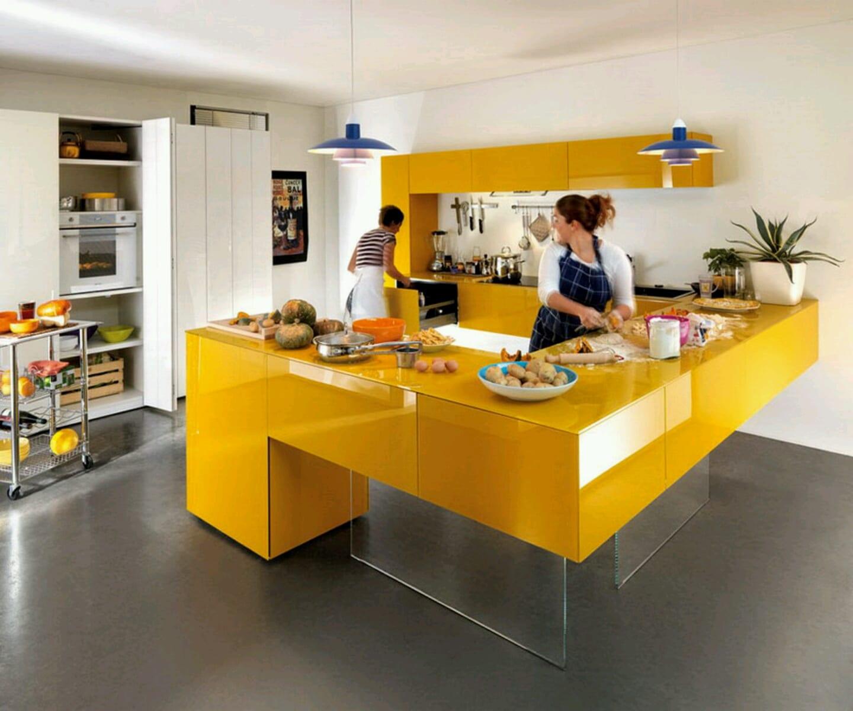 küche gestaltung mit gelben küchenschränken und kockinsel gelb