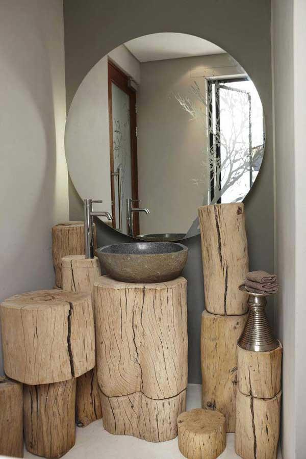 badezimmer interior mit holzklotzen