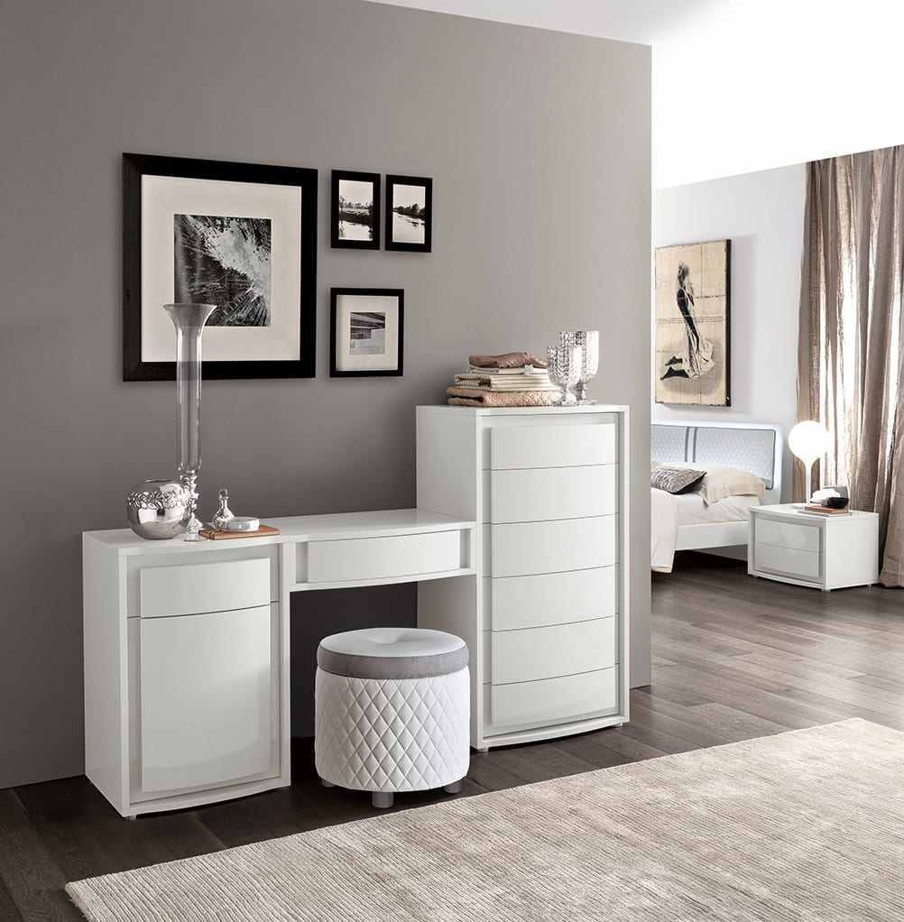 schlafzimmer wandgestaltung-möbelstück weiß-sideboard dekorieren-luxus schlafzimmer interior