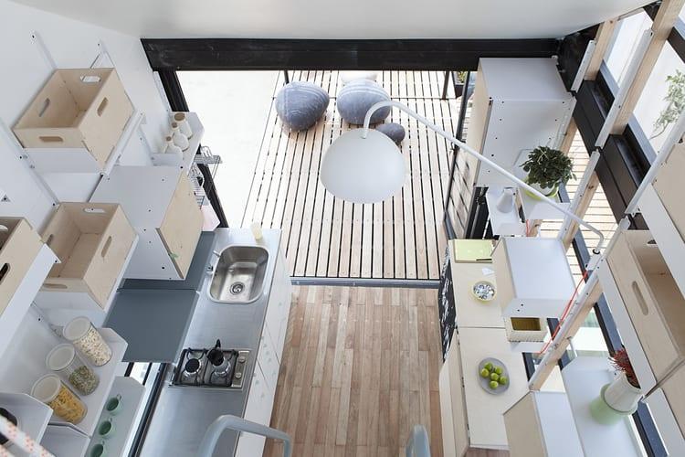 modular haus mit regalsystem-kleine küche ideen