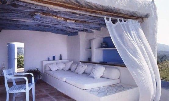 rustikale mediterrane terrasse gestalten mit terrassen berdachung und sitzecke ausgemauert. Black Bedroom Furniture Sets. Home Design Ideas