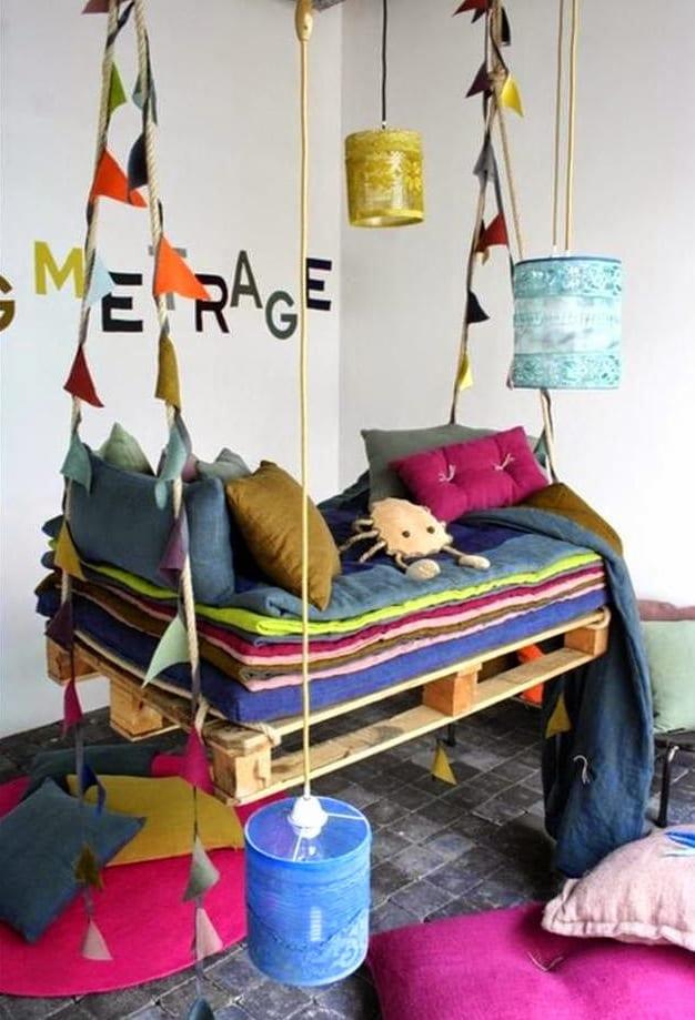 ideen für gartenmöbel aus paletten wie ein Kinderschaukel