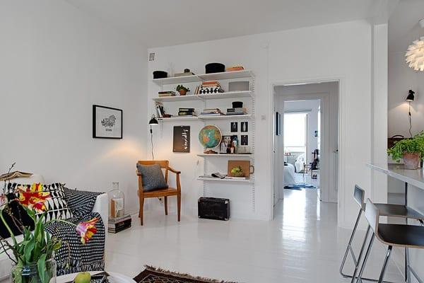 kleines appartement mit modernem interior in schwarz weiß
