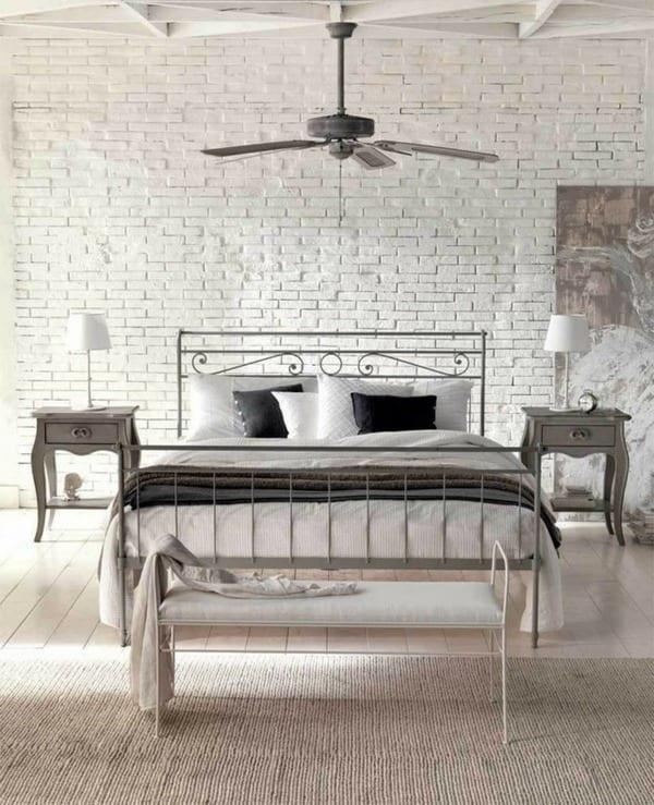 luxus schlafzimmer inspiration mit metallbet und barock nachttische aus holz_deckengestaltung aus holz in weiß