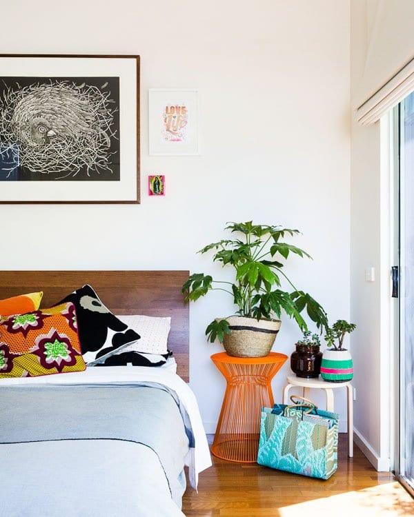 wohnideen schlafzimmer mit parkett und schlafzimmer wandgestaltung mit bilderrahmen