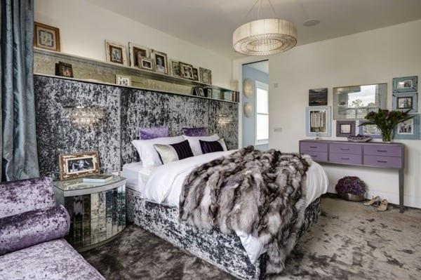luxus schlafzimmer lila mit wandgestaltung und schlafzimmer teppich aus samt lila_quinsize bett samt