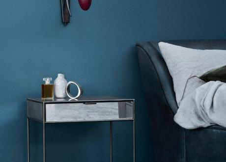 schlafzimmer streichen mit wandfarbe blau schlafzimmer inspiration freshouse. Black Bedroom Furniture Sets. Home Design Ideas