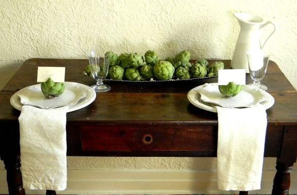sideboard dekorieren mit artischocken
