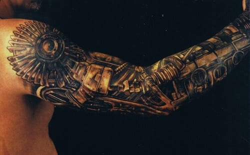 männer tattoos biomechanik