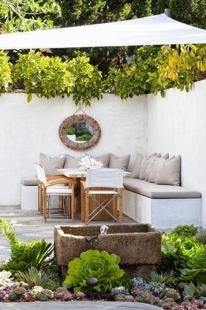 terrassengarten mit sonnensegel terrasse und terrarrium mit terrassenbrunen