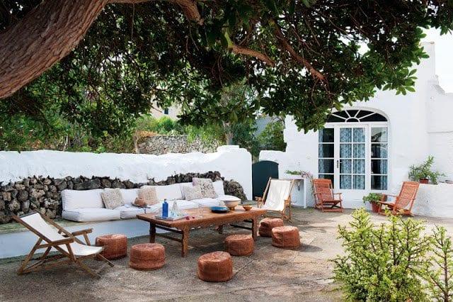 garten terrasse gestalten mit couchtisch holz und holzsesseln