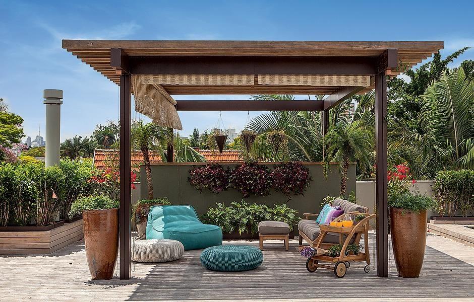 holzterrasse mit pergola aus holz für beschattung terrasse