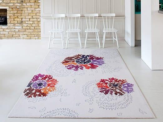 luxus wohnzimmer einrichten mit designer-traumteppich weiß- wandgestaltung ideen in weiß und ziegeln