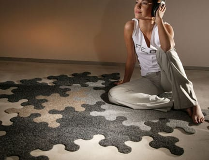 traumteppich giant jigsaw puzzle rug freshouse. Black Bedroom Furniture Sets. Home Design Ideas