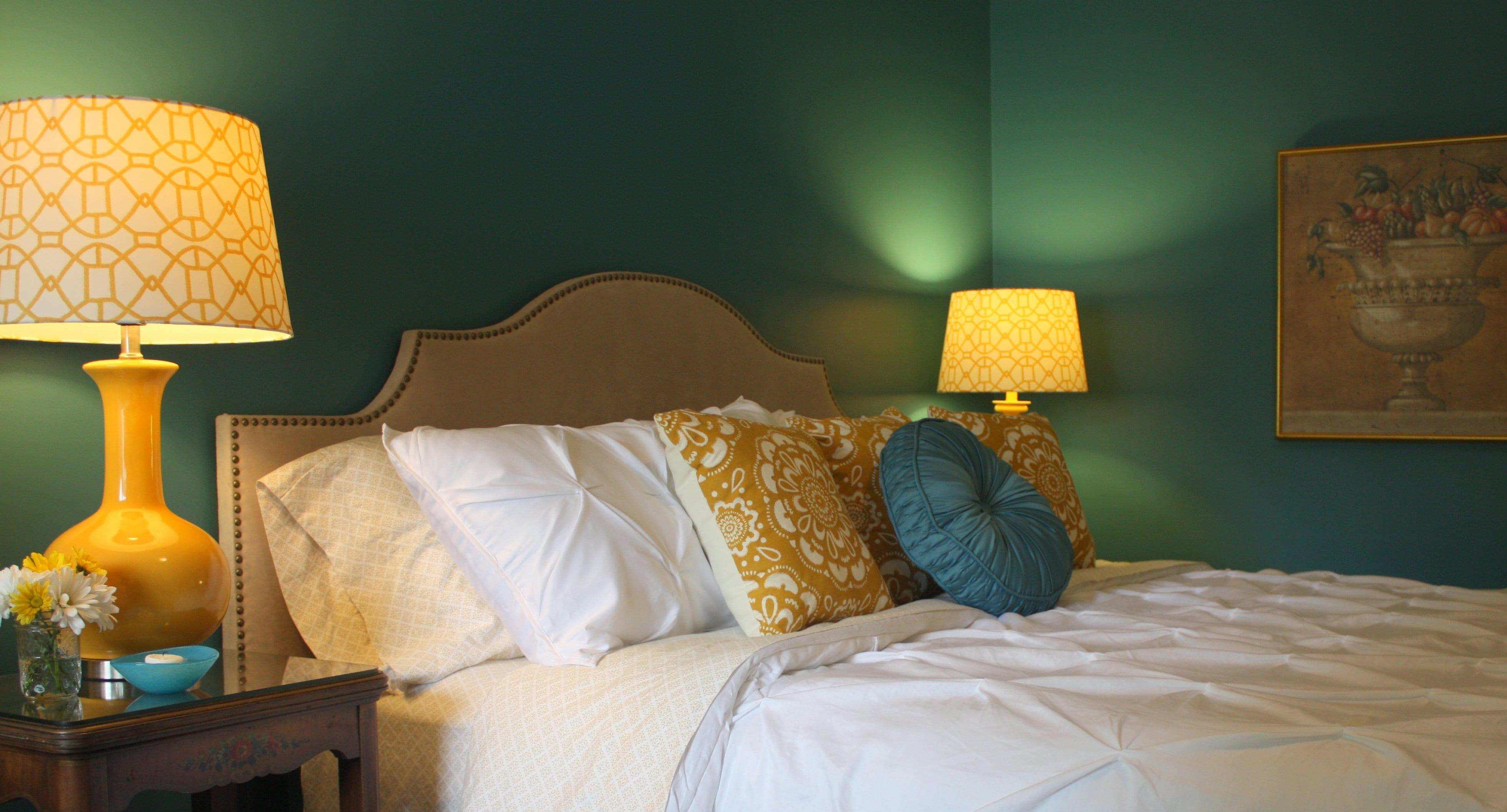 modernes schlafzimmer streichen idee- bett beige dekorieren