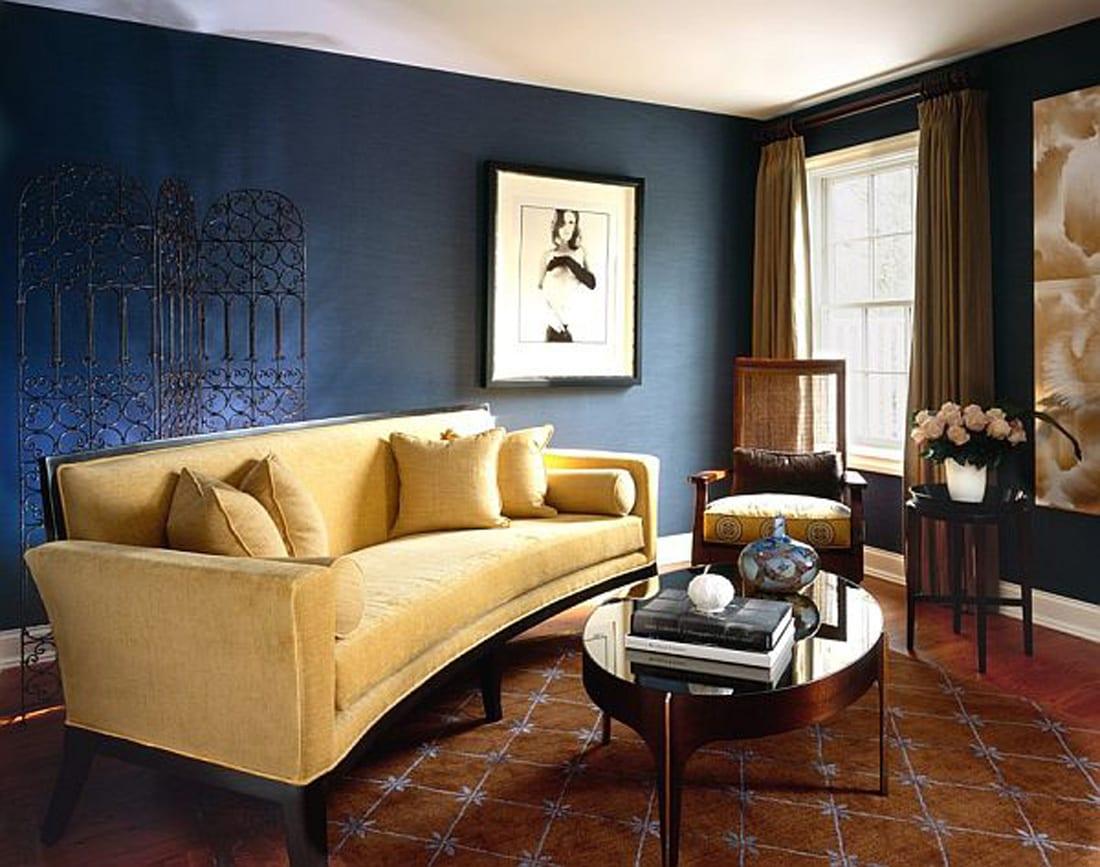 streichen mit blau-luxus wohnzimmer mit gardinen und tepich in braum und sofa gelb