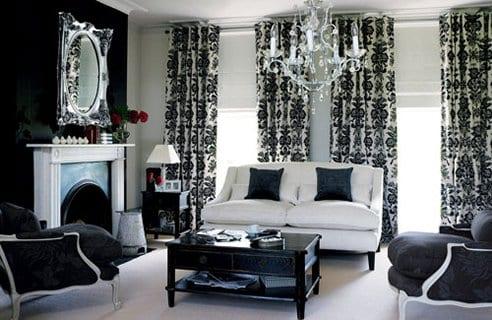 schwarz weiße wohnzimmer mit wandfarbe schwarzund weißem kamin-gardinen dekorationsvorschläge-polstersessel schwarz-vintage kaffeetisch schwarz