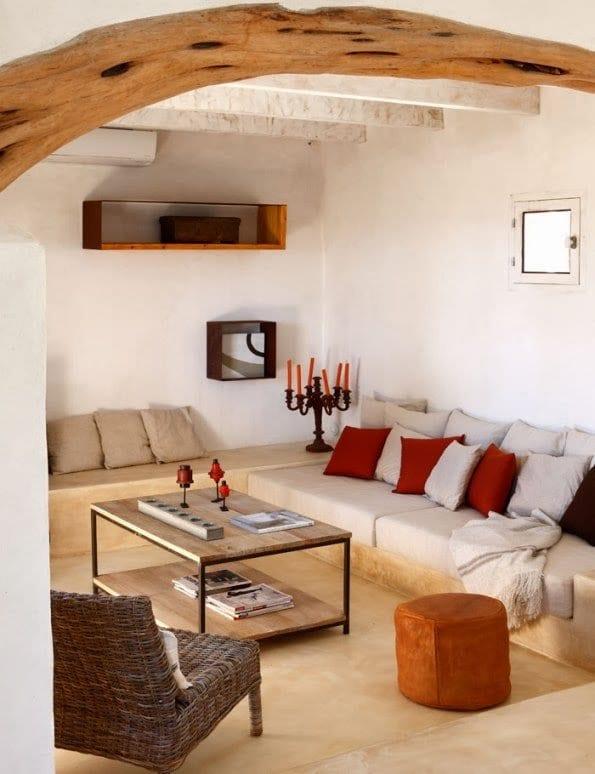 einrichtungsideen wohnzimmer couchtisch holz und sichtbaren deckenbalken holz