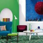 wohzimmer farbgestaltung für modernes wohnzimmer interior mit coolen Hintergrundbildern -farbige polstersessel-zimmer dekorieren mit traumteppich grün