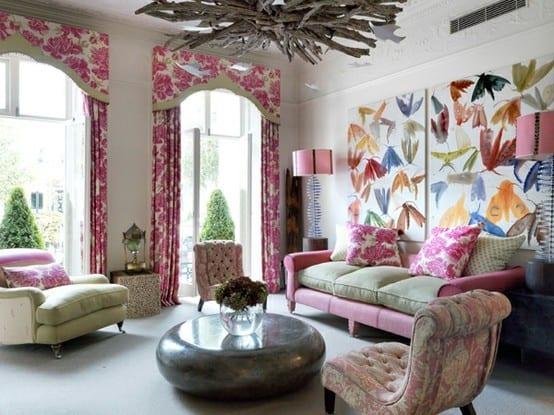 modernes wohnzimmer interior in weiß mit sofa altrosa und gardinen dekorationsvorschläge-moderne couchtisch rund aus metall-coole hintergrundbilder
