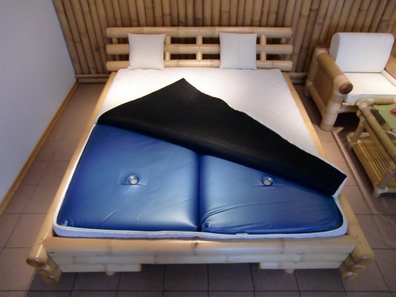 schlafzimmer mit bambus möbeln