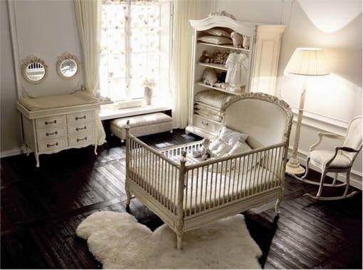 babyzimmer weiß mit dunklem holzboden und wickeltisch rustikal aus holz