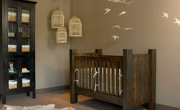 wand streichen in wandfarbe taupe und babyimmer einrichten mit babyzimmermöbel aus holz