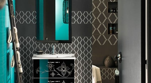 badezimmer grau mit badezimmer fliesen idee in blau und. Black Bedroom Furniture Sets. Home Design Ideas