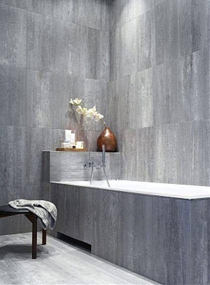 moderne badezimmer naturstein mit badewanne