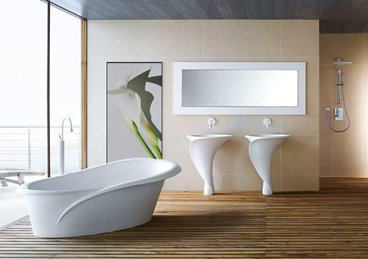 moderne badezimmer inspirationen mit Holzboden und wandfliesen beige