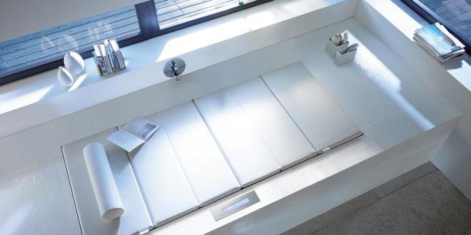 badezimmer modernisieren mit whirlpool badewanne sundeck. Black Bedroom Furniture Sets. Home Design Ideas