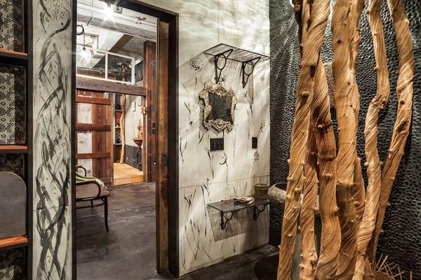 modernes badezimmer mit schwarz weiße Gestaltung