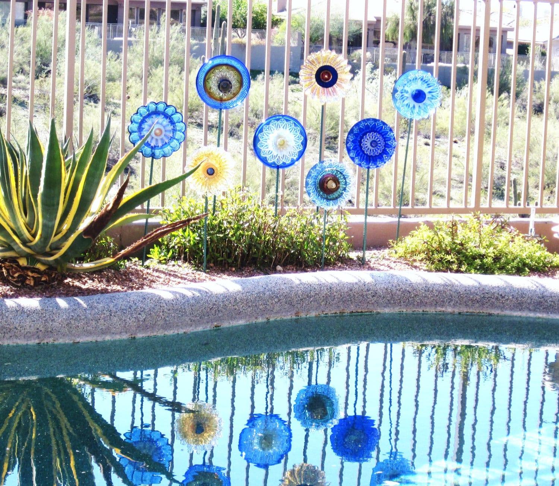 gartendeko für garten mit pool