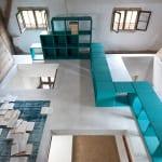 wohnzimmer inspirationen mit raumteiler in blau
