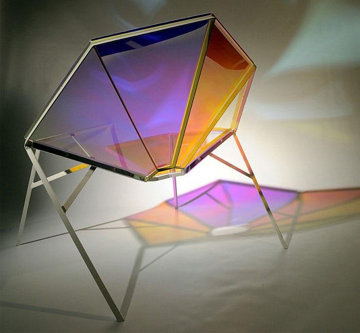 acrylglas stühl mit farbigem glas in form vom Brillant
