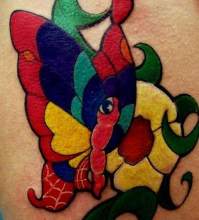 interessante Schmetterling tattoo in verschiedenen farben