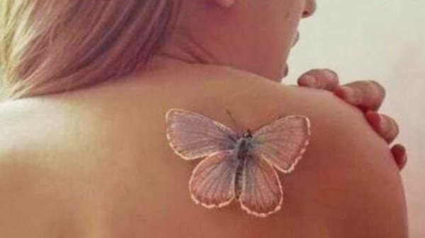 interessante tattoo idee mit schmetterling tattoo weiß