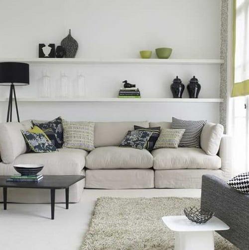 Kleines Wohnzimmer Inspirationen Mit Ecksofa Grau Und Wandgestaltung Mit  Weißen Wandregalen