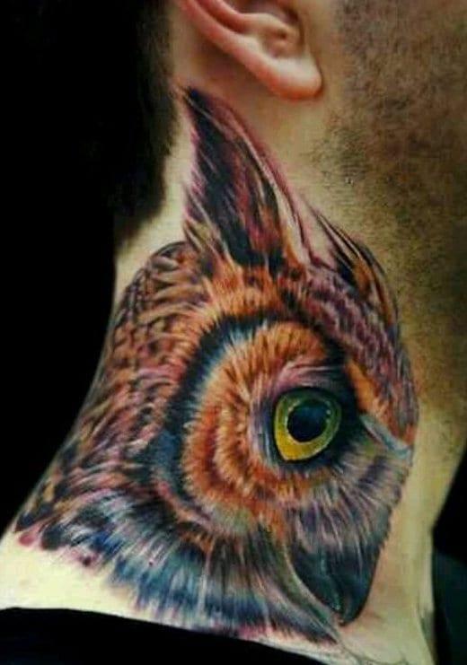 coole männer tattos mit halstattoo eule
